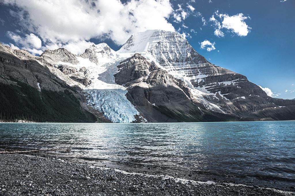 Berg Lake s ledovcem Berg Glacier