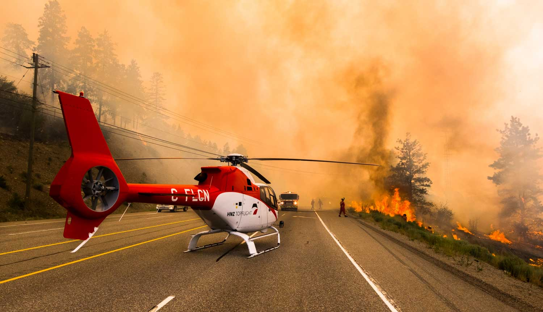 okanagan Valley přírodní požáry helikoptera