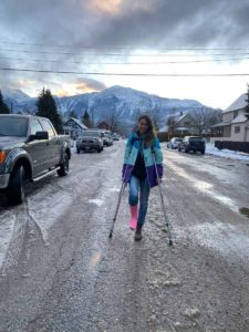 Kristýna po operaci na procházce